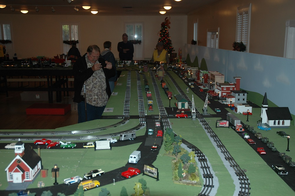dsc_0126-0_0323. ... - Christmas Layout At Stephen Foster State Park Model Railroad