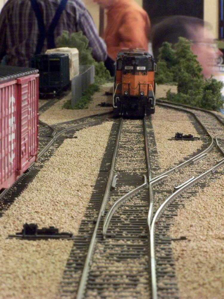 photos of my o scale switching layout at the rpm meet last