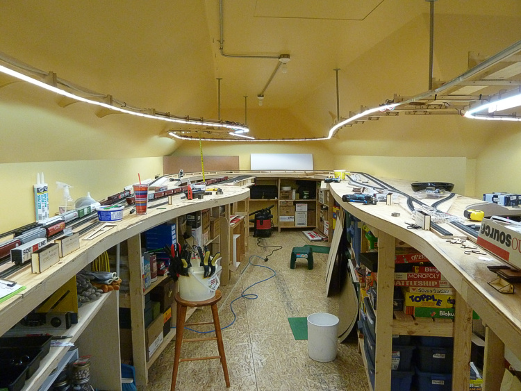 Photos without room lights & Work continues on the BNML - Lighting | Model Railroad Hobbyist ... azcodes.com